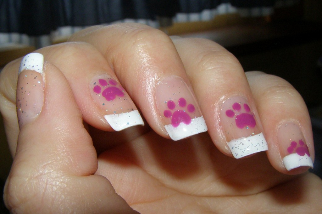 grape_paws - Paw Print Nail Art Craftynail