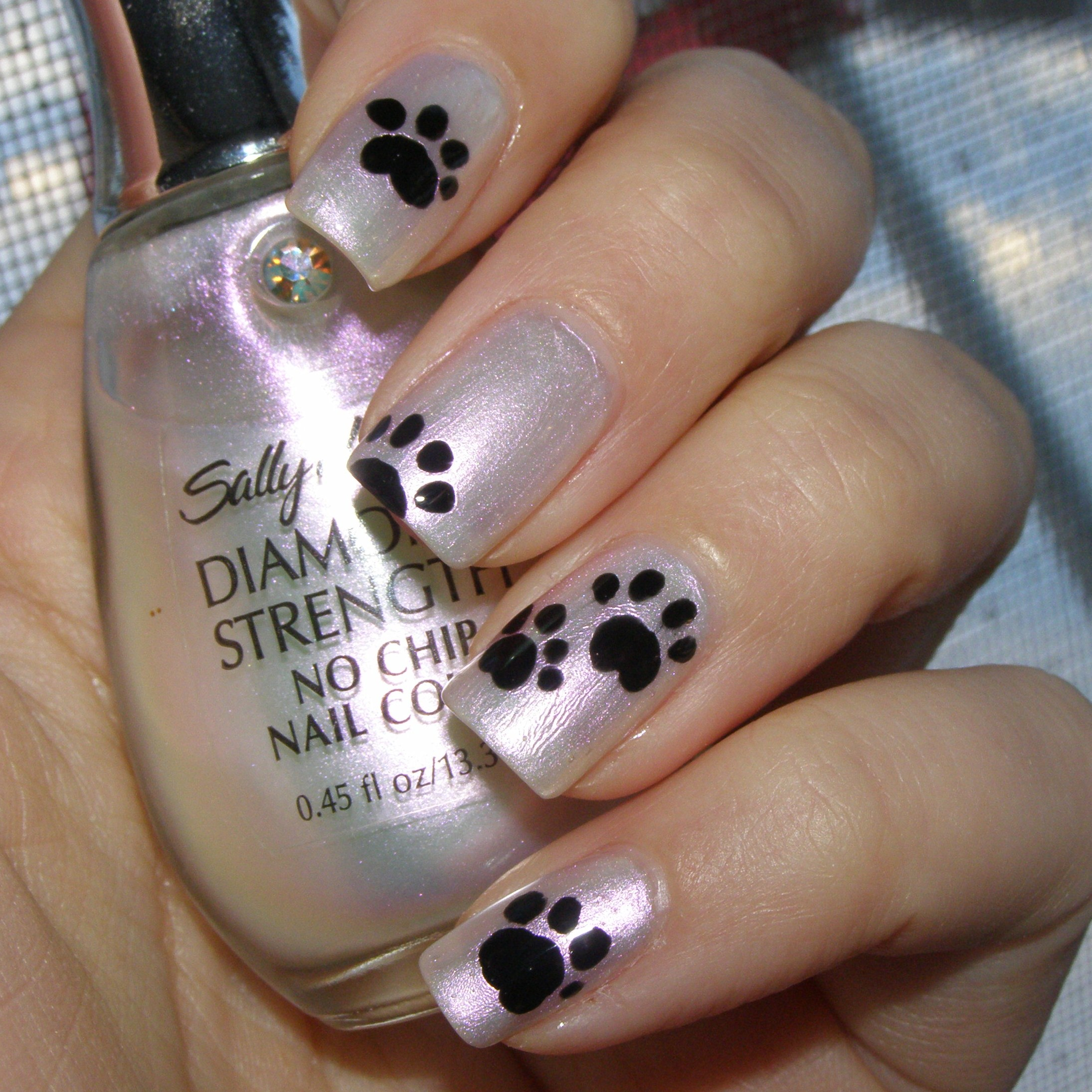 Paw print nail art craftynail platinum prinsesfo Image collections