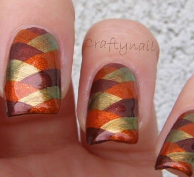 earth_toned_fishtail_nails