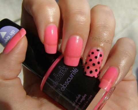 glow_in_the_dark_nail_polish