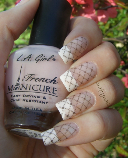 fishnet_french_manicure