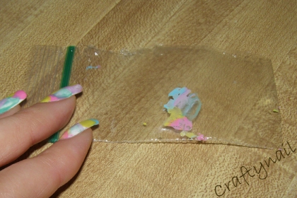 plastic_wrap_for_nail_designs
