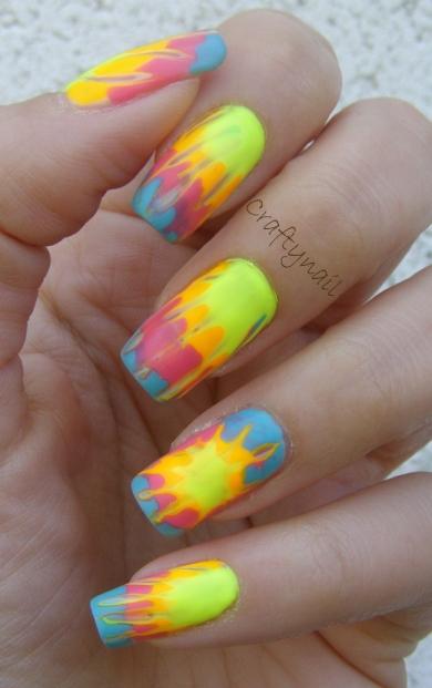 tie_dye_nails