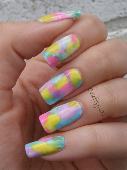 water_color_plastic_wrap_nail_art