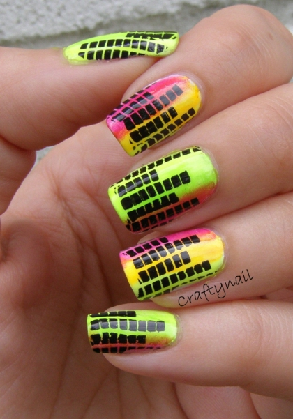 equalizer_neon_nails