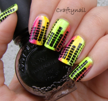 music_equalizer_nails