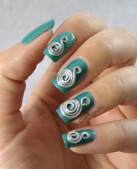 silver_spiral_3d_nail_art
