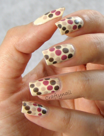 warm_brown_dot_nail-_art