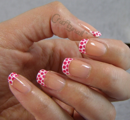 dotted_french_manicure