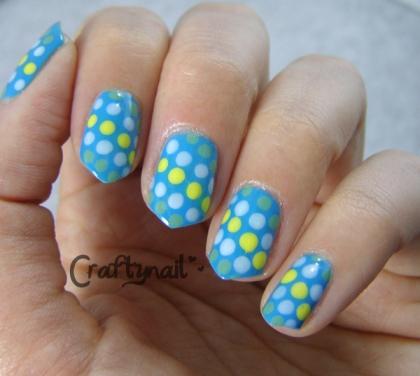 blue dots nails