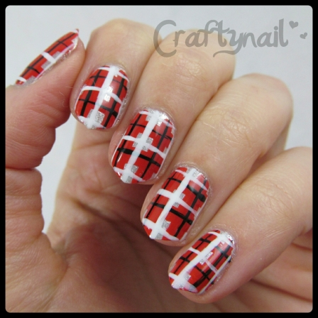 red plaid nailart