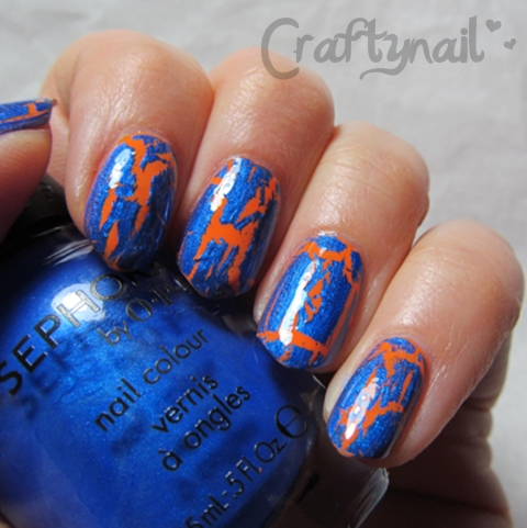 blue crackle nails