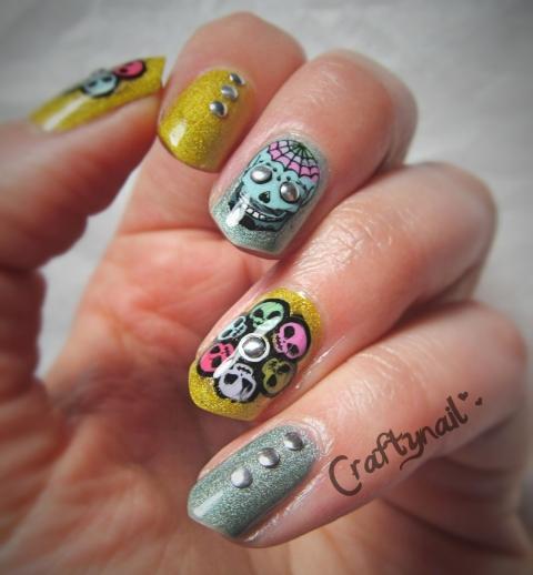 aliens and skulls nail art