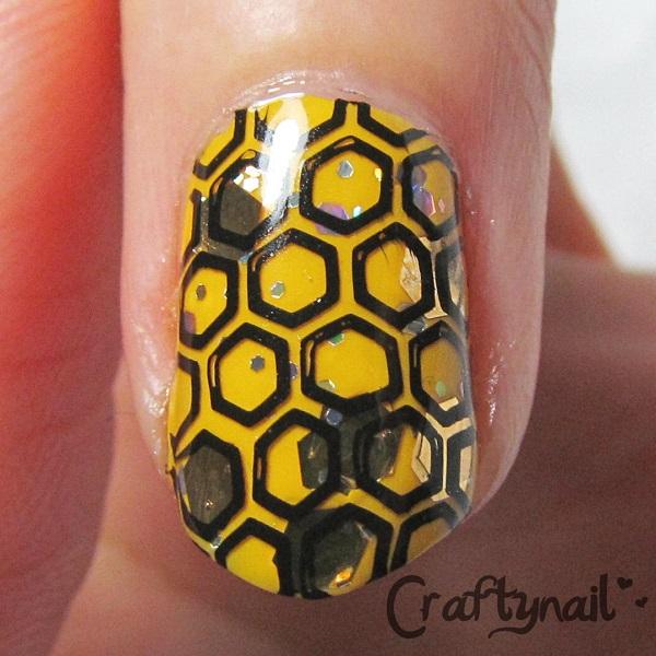 bee nail